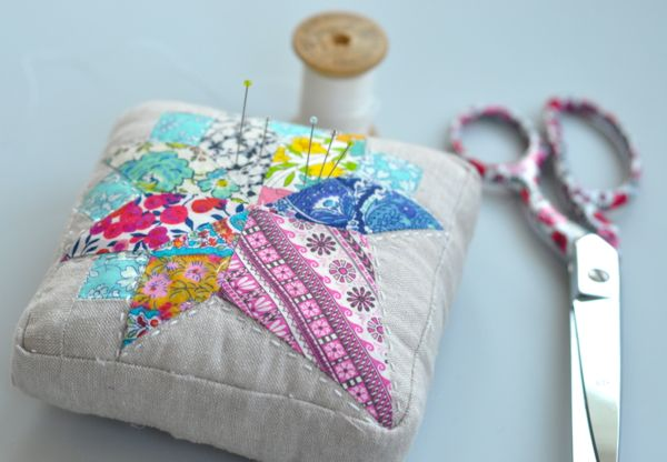 Free Pincushion Pattern Nosegay Block