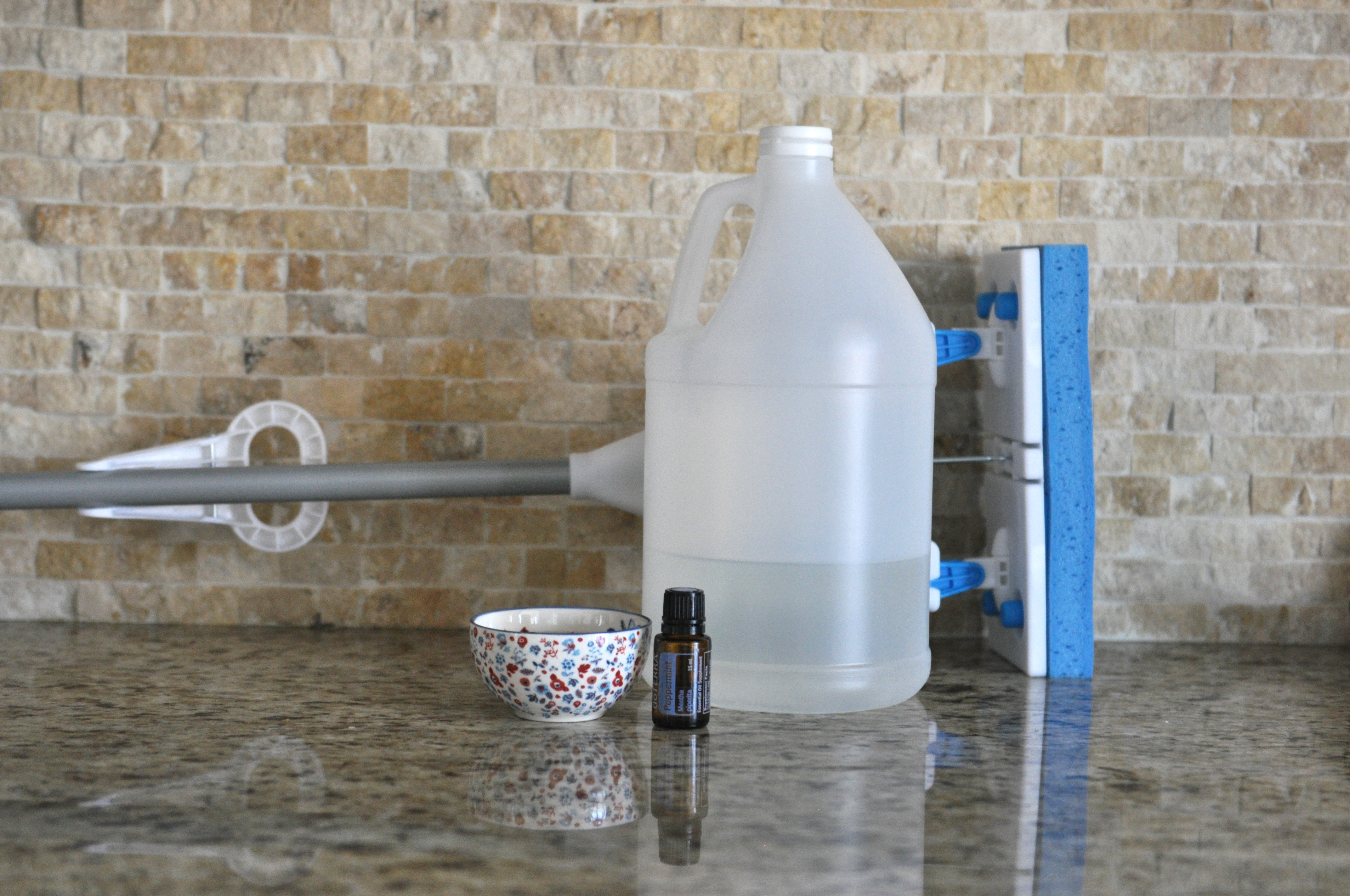 Cleaning solutions for tile floors