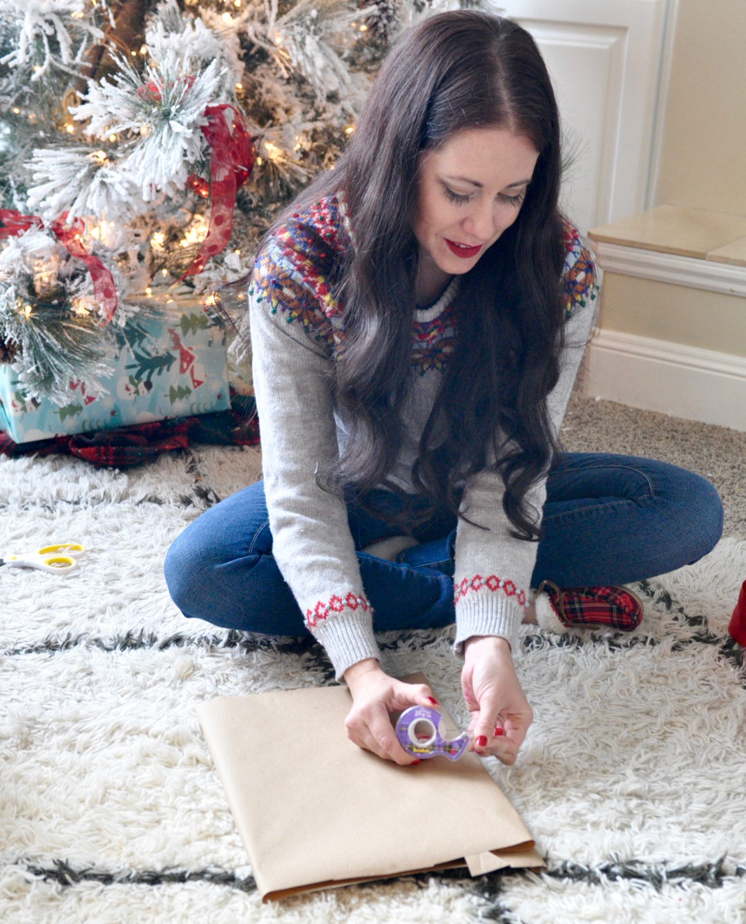 how-to-wrap-a-perfect-present-with-just-scotch-tape-4