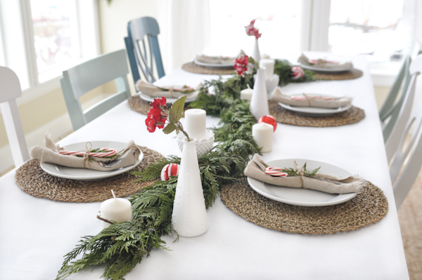 ten-minute-holiday-table-setting-tutorial-2