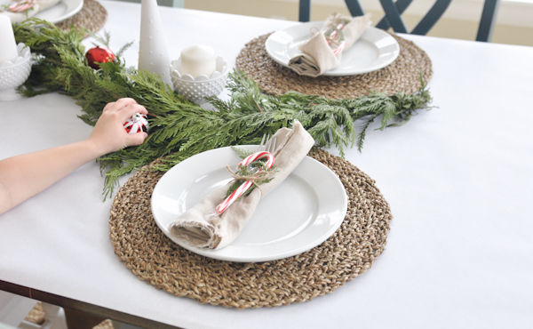 tips & tricks for beautiful holiday table setting